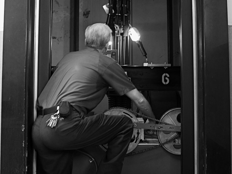 Midwest Elevator Maintenance and Repair Services